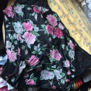 2e7e83c9351 Vanity Fair Intimates & Sleepwear - XL vintage + 2 FREE panties floral  nightgown gown